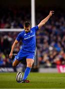 6 October 2018; Ross Byrne of Leinster kicks a penalty during the Guinness PRO14 Round 6 match between Leinster and Munster at the Aviva Stadium in Dublin. Photo by Seb Daly/Sportsfile