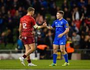 6 October 2018; Dan Goggin of Munster and Luke McGrath of Leinster shake hands following the Guinness PRO14 Round 6 match between Leinster and Munster at the Aviva Stadium in Dublin. Photo by Seb Daly/Sportsfile