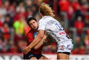 20 October 2018; Joey Carbery of Munster is tackled by Billy Twelvetrees of Gloucester during the Heineken Champions Cup Pool 2 Round 2 match between Munster and Gloucester at Thomond Park in Limerick. Photo by Diarmuid Greene/Sportsfile