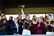 21 October 2018; Ballyea captain Tony Kelly lifts the cup after the Clare County Senior Club Hurling Championship Final match between Cratloe and Ballyea at Cusack Park, in Ennis, Clare. Photo by Matt Browne/Sportsfile