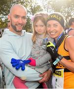 28 October 2018; National Women's Champion, Lizzie Lee of Leevale AC, Co. Cork, with husband Paul and 4 year old daughter Lucy celebrate following the 2018 SSE Airtricity Dublin Marathon. 20,000 runners took to the Fitzwilliam Square start line to participate in the 39th running of the SSE Airtricity Dublin Marathon, making it the fifth largest marathon in Europe. Photo by Ramsey Cardy/Sportsfile