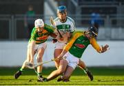 28 October 2018; Brian Cody of Ballyhale Shamrocks in action against Conor Murphy, left, and Enda Cleere of Bennettsbridge during the Kilkenny County Senior Club Hurling Championship Final between Bennettsbridge and Ballyhale Shamrocks at Nowlan Park in Kilkenny. Photo by Stephen McCarthy/Sportsfile