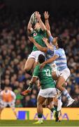 10 November 2018; Jacob Stockdale of Ireland and Bautista Delguy of Argentina compete for possession during the Guinness Series International match between Ireland and Argentina at the Aviva Stadium in Dublin. Photo by Brendan Moran/Sportsfile