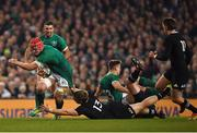 17 November 2018; Josh van der Flier of Ireland is tackled by Jack Goodhue of New Zealand during the Guinness Series International match between Ireland and New Zealand at the Aviva Stadium in Dublin. Photo by Brendan Moran/Sportsfile