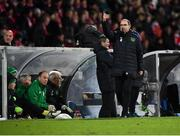 19 November 2018; Republic of Ireland manager Martin O'Neill gestures to Michael Obafemi of Republic of Ireland during the UEFA Nations League B match between Denmark and Republic of Ireland at Ceres Park in Aarhus, Denmark. Photo by Stephen McCarthy/Sportsfile