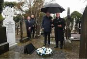 21 November 2018; Monsignor Eoin Thynne, right, alongside Uachtarán Chumann Lúthchleas Gael John Horan and Dublin senior football manager Jim Gavin, left, with John Costello, Dublin GAA Chief Executive, during the unveiling of a memorial headstone to Bloody Sunday victim John William Scott who was shot and killed aged 14 at Croke Park at Glasnevin Cemetery in Dublin. Photo by David Fitzgerald/Sportsfile