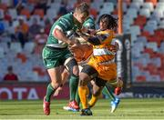 1 December 2018; Tom Farrell of Connacht in action against Joseph Dweba of Toyota Cheetahs during the Guinness PRO14 Round 10 match between Toyota Cheetahs and Connacht at Toyota Stadium in Bloemfontein, South Africa. Photo by Frikkie Kapp/Sportsfile