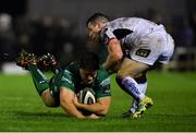 28 December 2018; Dave Heffernan of Connacht is tackled by John Cooney of Ulster during the Guinness PRO14 Round 12 match between Connacht and Ulster at the Sportsground in Galway. Photo by Piaras Ó Mídheach/Sportsfile