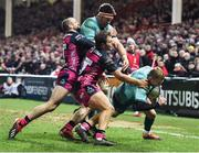 11 January 2019; Keith Earls of Munster, right, evades the tackle of Callum Braley of Gloucester, centre, on his way to scoring his side's third try during the Heineken Champions Cup Pool 2 Round 5 match between Gloucester and Munster at Kingsholm Stadium in Gloucester, England. Photo by Seb Daly/Sportsfile