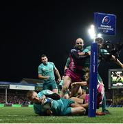 11 January 2019; Keith Earls of Munster dives over to score his side's third try during the Heineken Champions Cup Pool 2 Round 5 match between Gloucester and Munster at Kingsholm Stadium in Gloucester, England. Photo by Seb Daly/Sportsfile