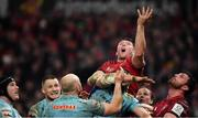 19 January 2019; Peter O'Mahony of Munster attempts to gain possession during the Heineken Champions Cup Pool 2 Round 6 match between Munster and Exeter Chiefs at Thomond Park in Limerick. Photo by Brendan Moran/Sportsfile