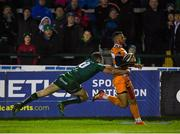 16 February 2019; Shaun Venter of Toyota Cheetahs on his way to scoring his sides second try despite the tackle of Jack Carty of Connacht during the Guinness PRO14 Round 15 match between Connacht and Toyota Cheetahs at The Sportsground in Galway. Photo by Harry Murphy/Sportsfile