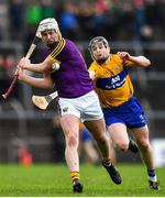 24 February 2019; Liam Ryan of Wexford in action against Tony Kelly of Clare during the Allianz Hurling League Division 1A Round 4 match between Clare and Wexford at Cusack Park in Ennis, Clare. Photo by Eóin Noonan/Sportsfile