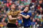 31 March 2019; Tommy Walsh of Kerry tangles with Chris Barrett of Mayo during the Allianz Football League Division 1 Final match between Kerry and Mayo at Croke Park in Dublin. Photo by Piaras Ó Mídheach/Sportsfile
