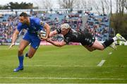 13 April 2019; Dave Kearney of Leinster on his way to scoring his side's first try despite the tackle of Stuart Hogg of Glasgow Warriors during the Guinness PRO14 Round 20 match between Leinster and Glasgow Warriors at the RDS Arena in Dublin. Photo by Stephen McCarthy/Sportsfile