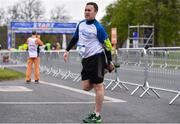 14 April 2019; Derek Brereton warms-up ahead of the Great Ireland Run 2019 in conjunction with AAI National 10k Championships at Phoenix Park in Dublin. Photo by Sam Barnes/Sportsfile