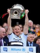 31 March 2019; Rob Hennelly of Mayo lifts the cup after the Allianz Football League Division 1 Final match between Kerry and Mayo at Croke Park in Dublin. Photo by Piaras Ó Mídheach/Sportsfile