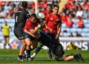 20 April 2019; Niall Scannell of Munster is tackled by George Kruis of Saracens during the Heineken Champions Cup Semi-Final match between Saracens and Munster at the Ricoh Arena in Coventry, England. Photo by Brendan Moran/Sportsfile