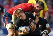 20 April 2019; Liam Williams of Saracens is tackled by Peter O'Mahony of Munster during the Heineken Champions Cup Semi-Final match between Saracens and Munster at the Ricoh Arena in Coventry, England. Photo by Brendan Moran/Sportsfile