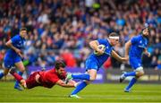 18 May 2019; Seán Cronin of Leinster is tackled by Jean Kleyn of Munster during the Guinness PRO14 semi-final match between Leinster and Munster at the RDS Arena in Dublin. Photo by Ramsey Cardy/Sportsfile