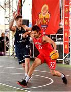 18 May 2019; Neil Randolph of Templeogue Basketball Club in action against Shane O'Connor of Ulster University Elks Basketball during the second annual Hula Hoops 3x3 Basketball Championships at Bray Seafront in Co.Wicklow. Photo by Ray McManus/Sportsfile