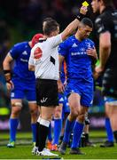 25 May 2019; Rob Kearney of Leinster is shown a yellow card by referee Nigel Owens during the Guinness PRO14 Final match between Leinster and Glasgow Warriors at Celtic Park in Glasgow, Scotland. Photo by Ramsey Cardy/Sportsfile