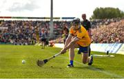 9 June 2019; Tony Kelly of Clare takes a sideline ball during the Munster GAA Hurling Senior Championship Round 4 match between Limerick and Clare at the LIT Gaelic Grounds in Limerick. Photo by Diarmuid Greene/Sportsfile