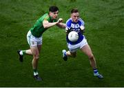 9 June 2019; Ross Munnelly of Laois and Séamus Lavin of Meath during the Leinster GAA Football Senior Championship Semi-Final match between Meath and Laois at Croke Park in Dublin. Photo by Stephen McCarthy/Sportsfile