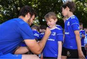 3 July 2019; Leinster player Caelan Doris with participants during the Bank of Ireland Leinster Rugby Summer Camp at Terenure RFC in Terenure, Dublin. Photo by Harry Murphy/Sportsfile