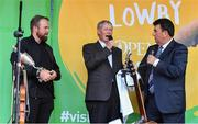 23 July 2019; The 2019 Open Champion Shane Lowry with MC Des Cahill and legendary commentator Micheál Ó Muircheartaigh, centre, at his homecoming event in Clara in Offaly. Photo by Piaras Ó Mídheach/Sportsfile