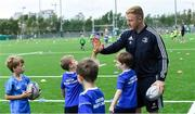 7 August 2019; Leinster player James Tracy with participants during the Bank of Ireland Leinster Rugby Summer Camp at Lansdowne FC in Dublin. Photo by Piaras Ó Mídheach/Sportsfile