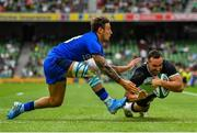 10 August 2019; Dave Kearney of Ireland scores his side's second try despite the effort of Matteo Minozzi of Italy during the Guinness Summer Series 2019 match between Ireland and Italy at the Aviva Stadium in Dublin. Photo by Brendan Moran/Sportsfile