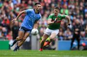 10 August 2019; Niall Scully of Dublin in action against Cillian O'Connor of Mayo during the GAA Football All-Ireland Senior Championship Semi-Final match between Dublin and Mayo at Croke Park in Dublin. Photo by Piaras Ó Mídheach/Sportsfile
