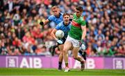 10 August 2019; Lee Keegan of Mayo in action against Jonny Cooper, left, and Michael Fitzsimons of Dublin on his way to score his side's first goal during the GAA Football All-Ireland Senior Championship Semi-Final match between Dublin and Mayo at Croke Park in Dublin. Photo by Sam Barnes/Sportsfile