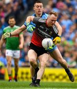 10 August 2019; Mayo goalkeeper Rob Hennelly is tackled by Con O'Callaghan of Dublin during the GAA Football All-Ireland Senior Championship Semi-Final match between Dublin and Mayo at Croke Park in Dublin. Photo by Ray McManus/Sportsfile