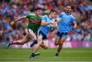 10 August 2019; David Byrne of Dublin and Diarmuid O'Connor of Mayo during the GAA Football All-Ireland Senior Championship Semi-Final match between Dublin and Mayo at Croke Park in Dublin. Photo by Stephen McCarthy/Sportsfile