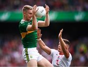 11 August 2019; Gavin Crowley of Kerry in action against Michael McKernan of Tyrone during the GAA Football All-Ireland Senior Championship Semi-Final match between Kerry and Tyrone at Croke Park in Dublin. Photo by Stephen McCarthy/Sportsfile