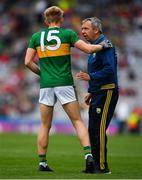 11 August 2019; Kerry manager Peter Keane speaking with Killian Spillane of Kerry during the GAA Football All-Ireland Senior Championship Semi-Final match between Kerry and Tyrone at Croke Park in Dublin. Photo by Eóin Noonan/Sportsfile