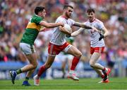 11 August 2019; Ronan McNamee of Tyrone in action against Paul Geaney of Kerry during the GAA Football All-Ireland Senior Championship Semi-Final match between Kerry and Tyrone at Croke Park in Dublin. Photo by Piaras Ó Mídheach/Sportsfile