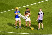 18 August 2019; Colin Fennelly of Kilkenny and Ronan Maher of Tipperary dry their hurls during the GAA Hurling All-Ireland Senior Championship Final match between Kilkenny and Tipperary at Croke Park in Dublin. Photo by Daire Brennan/Sportsfile