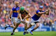18 August 2019; Paul Murphy of Kilkenny in action against Séamus Callanan, left, and John McGrath of Tipperary during the GAA Hurling All-Ireland Senior Championship Final match between Kilkenny and Tipperary at Croke Park in Dublin. Photo by Piaras Ó Mídheach/Sportsfile
