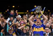18 August 2019; Tipperary captain Séamus Callanan lifts the Liam MacCarthy Cup following the GAA Hurling All-Ireland Senior Championship Final match between Kilkenny and Tipperary at Croke Park in Dublin. Photo by Stephen McCarthy/Sportsfile