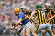 18 August 2019; Séamus Callanan of Tipperary is tackled by Kilkenny players, from left, Huw Lawlor, Paul Murphy, and Padraig Walsh during the GAA Hurling All-Ireland Senior Championship Final match between Kilkenny and Tipperary at Croke Park in Dublin. Photo by Piaras Ó Mídheach/Sportsfile