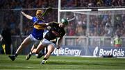 18 August 2019; Eoin Murphy of Kilkenny in action against Jake Morris of Tipperary during the GAA Hurling All-Ireland Senior Championship Final match between Kilkenny and Tipperary at Croke Park in Dublin. Photo by Sam Barnes/Sportsfile
