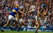 18 August 2019; TJ Reid of Kilkenny, supported by John Donnelly, right, in action against Barry Heffernan of Tipperary during the GAA Hurling All-Ireland Senior Championship Final match between Kilkenny and Tipperary at Croke Park in Dublin. Photo by Sam Barnes/Sportsfile
