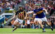 18 August 2019; Richie Hogan of Kilkenny in action against Noel McGrath of Tipperary  during the GAA Hurling All-Ireland Senior Championship Final match between Kilkenny and Tipperary at Croke Park in Dublin. Photo by Sam Barnes/Sportsfile