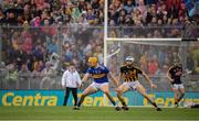 18 August 2019; Séamus Callanan of Tipperary and Huw Lawlor of Kilkenny during the GAA Hurling All-Ireland Senior Championship Final match between Kilkenny and Tipperary at Croke Park in Dublin. Photo by Stephen McCarthy/Sportsfile