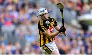 18 August 2019; TJ Reid of Kilkenny takes a late free during the GAA Hurling All-Ireland Senior Championship Final match between Kilkenny and Tipperary at Croke Park in Dublin. Photo by Piaras Ó Mídheach/Sportsfile