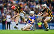 18 August 2019; Padraic Maher of Tipperary in action against Cillian Buckley, left, and Conor Browne of Kilkenny during the GAA Hurling All-Ireland Senior Championship Final match between Kilkenny and Tipperary at Croke Park in Dublin. Photo by Piaras Ó Mídheach/Sportsfile