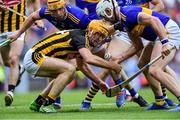 18 August 2019; Colin Fennelly of Kilkenny gaters possession ahead of Ronan Maher, left, and Padraic Maher of Tipperary during the GAA Hurling All-Ireland Senior Championship Final match between Kilkenny and Tipperary at Croke Park in Dublin. Photo by Piaras Ó Mídheach/Sportsfile